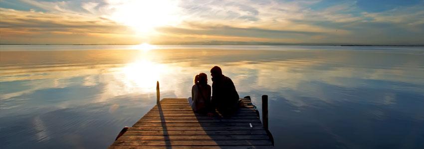 2. Dra på fisketur. La mobilene ligge hjemme, og dra til et koselig sted ved sjøen for å fiske. Avslappende, og mye tid til å snakke sammen.