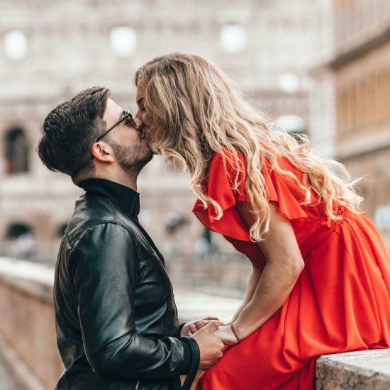 TREND: Derfor vil kvinner date yngre menn